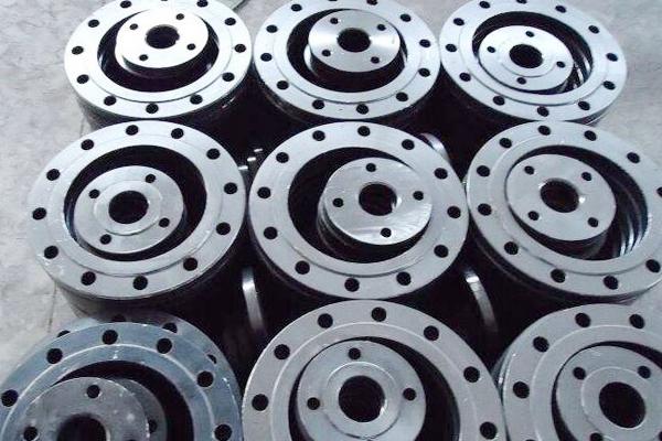 Three methods of carbon steel flange sealing